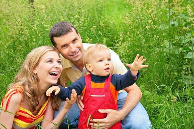 Wir helfen Ihnen, leibliche Eltern, Geschwister, Verwandte in Russland, der Ukraine, Kasachstan und Weißrussland zu finden.