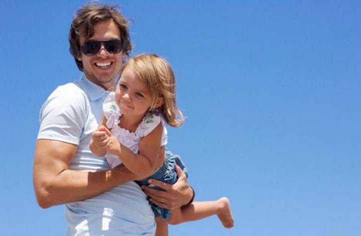 Wir helfen Ihnen, einen leiblichen Vater und seine Verwandten zu finden