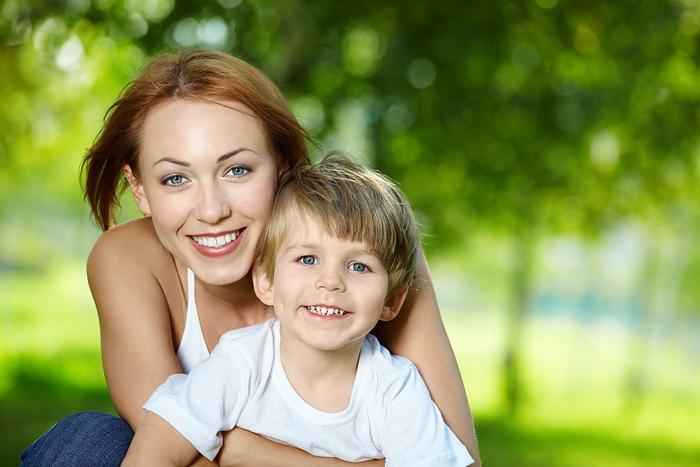 Wir helfen Ihnen, eine leibliche Mutter und ihre Verwandten zu finden